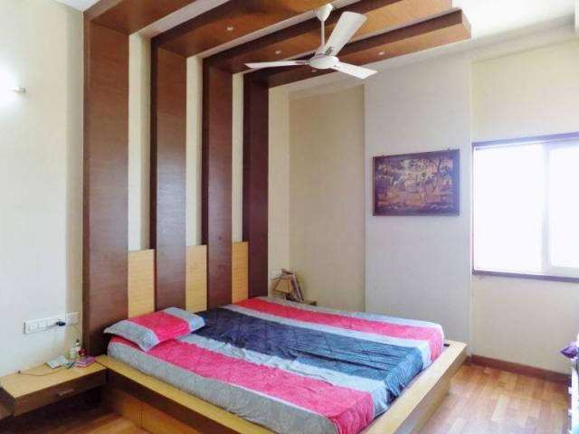3 BHK with Servant room available for rent in Mantri Greens