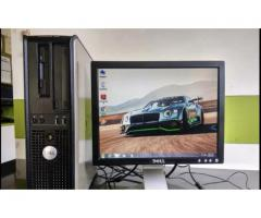 DELL (4GB/500GB/LCD) Full Desktop