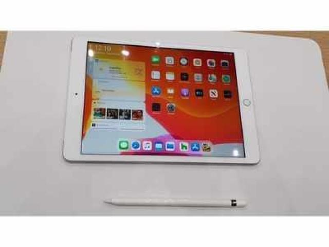Apple ipad 7th generation 32GB wifi 2020 model just 3month sell in