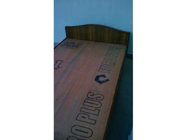 USED WOODEN COT SALE
